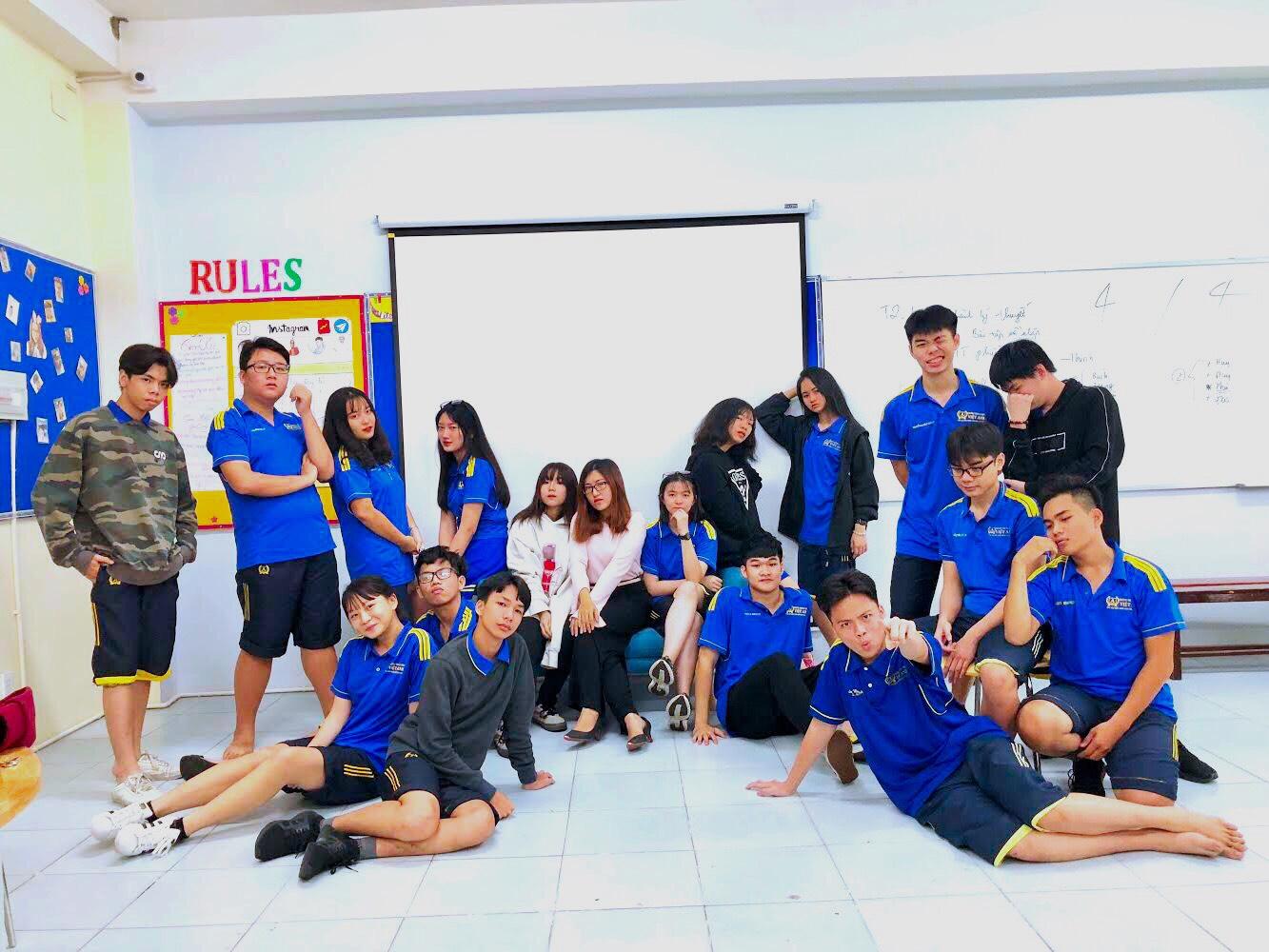 Khoảnh Khắc Thầy Trò 2019 – Ảnh dự thi lớp 11B2