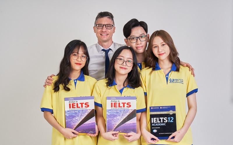 Trường Dân Lập Nội Trú Việt Anh TPHCM, định hướng đào tạo học sinh giỏi chuyên Anh với cam kết đầu ra IELTS 6.0 khi tốt nghiệp THPT.