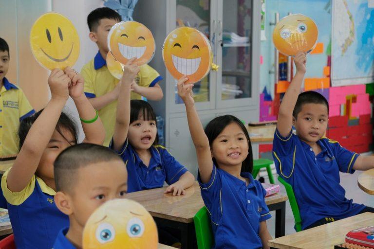 Những lợi ích gì mà kỹ năng cảm xúc xã hội sẽ mang lại cho học sinh tiểu học