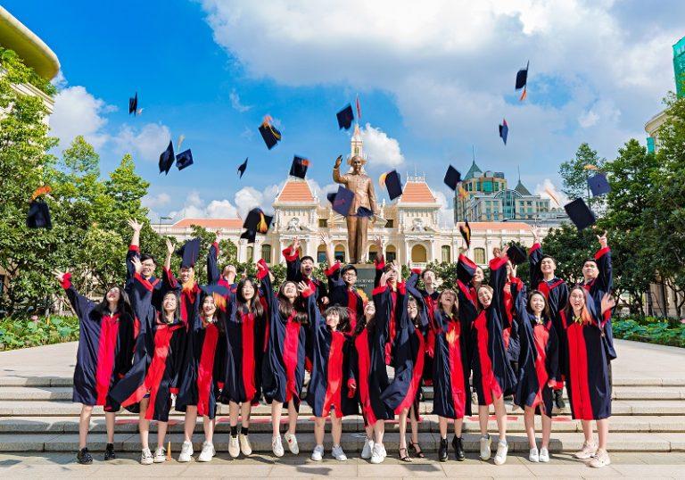 Cơ hội vào các trường đại học danh tiếng trong nước và du học quốc tế của trường dân lập ngang bằng với các em học trường công. Vậy đâu là trường dân lập uy tín TPHCM?